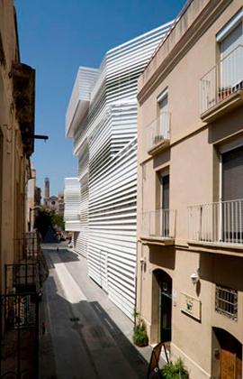 Colaborando en<br> Martínez Lapeña-Torres<br/> Arquitectos en el proyecto<br> de ejecución